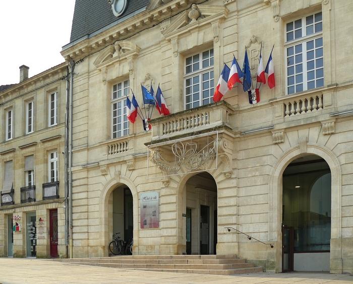 L'hôtel de ville de Créon