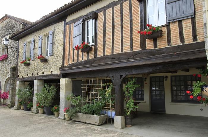 Maison à pans de bois et briques