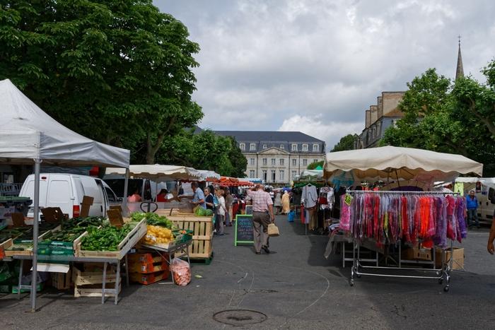 Le marché place du 14 juillet