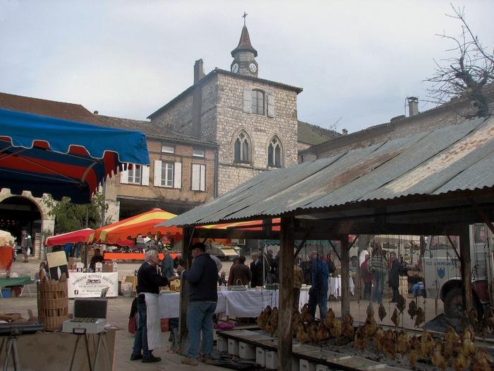 Le marché aux volailles sur la place