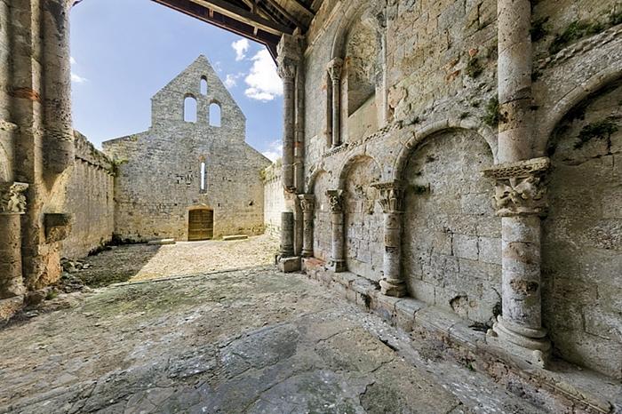 Restes de l'église Saint-Savin