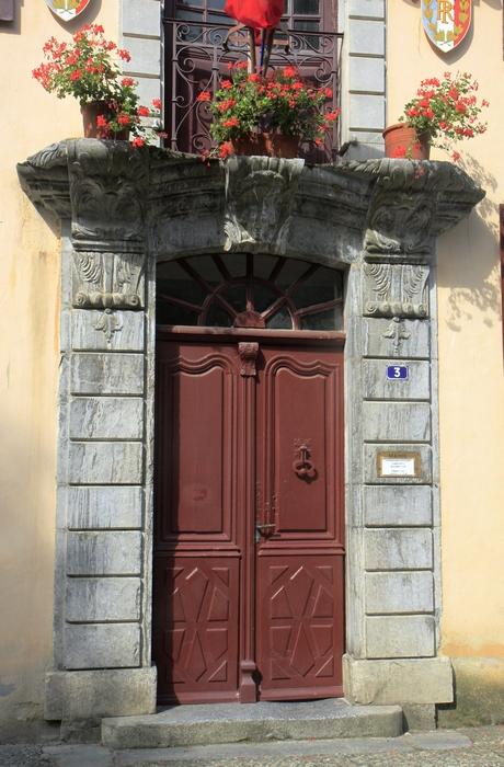 Porte de la mairie