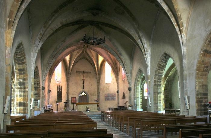 Intérieur église St-Hilaire